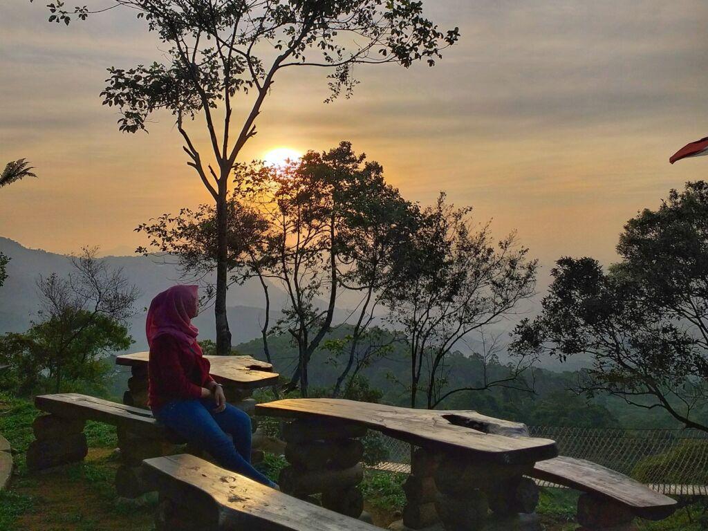 Senja di Bukit Halimun
