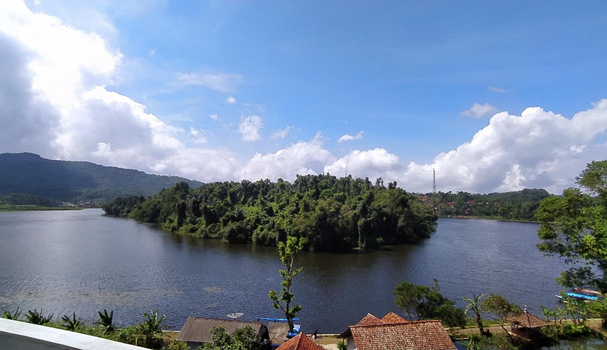 Situ Lengkong dan Nusa Larang
