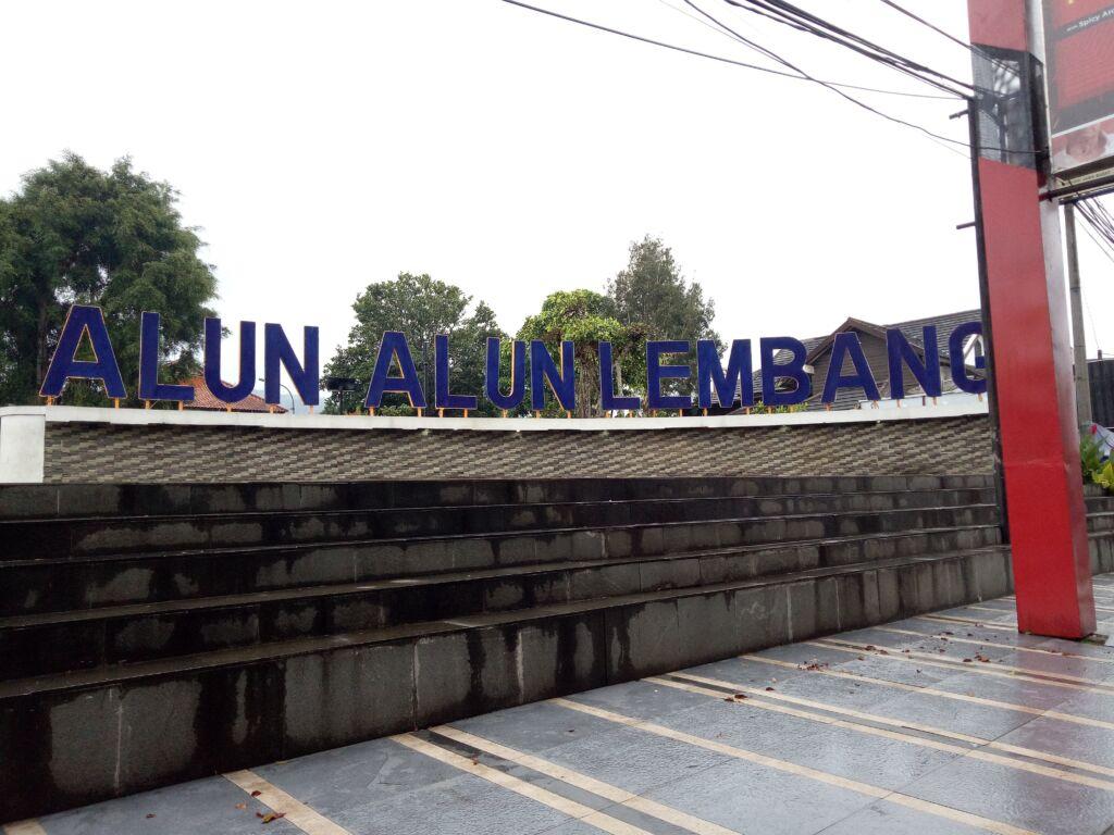 Spot Foto di Alun-Alun Lembang