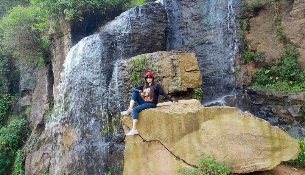 Spot Foto Tebing Batu Wisata Templek Bandung