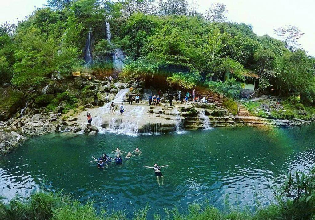 Sungai Oyo dan Air Terjun Gunung Kidul