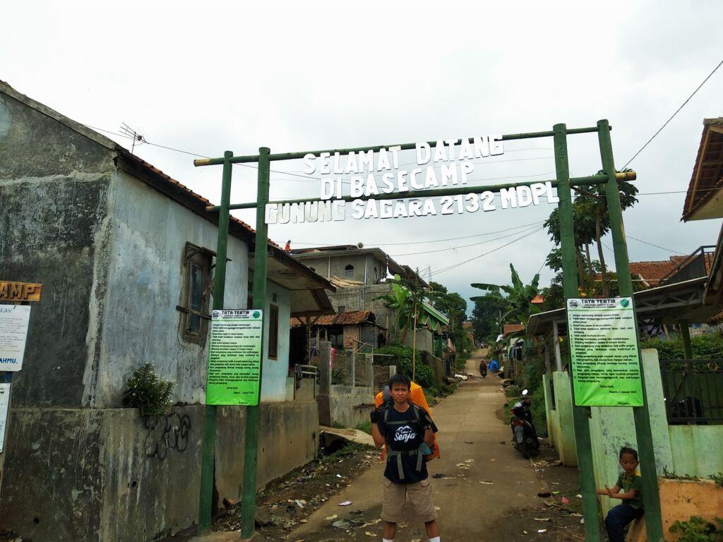 Pintu Basecamp Sagara