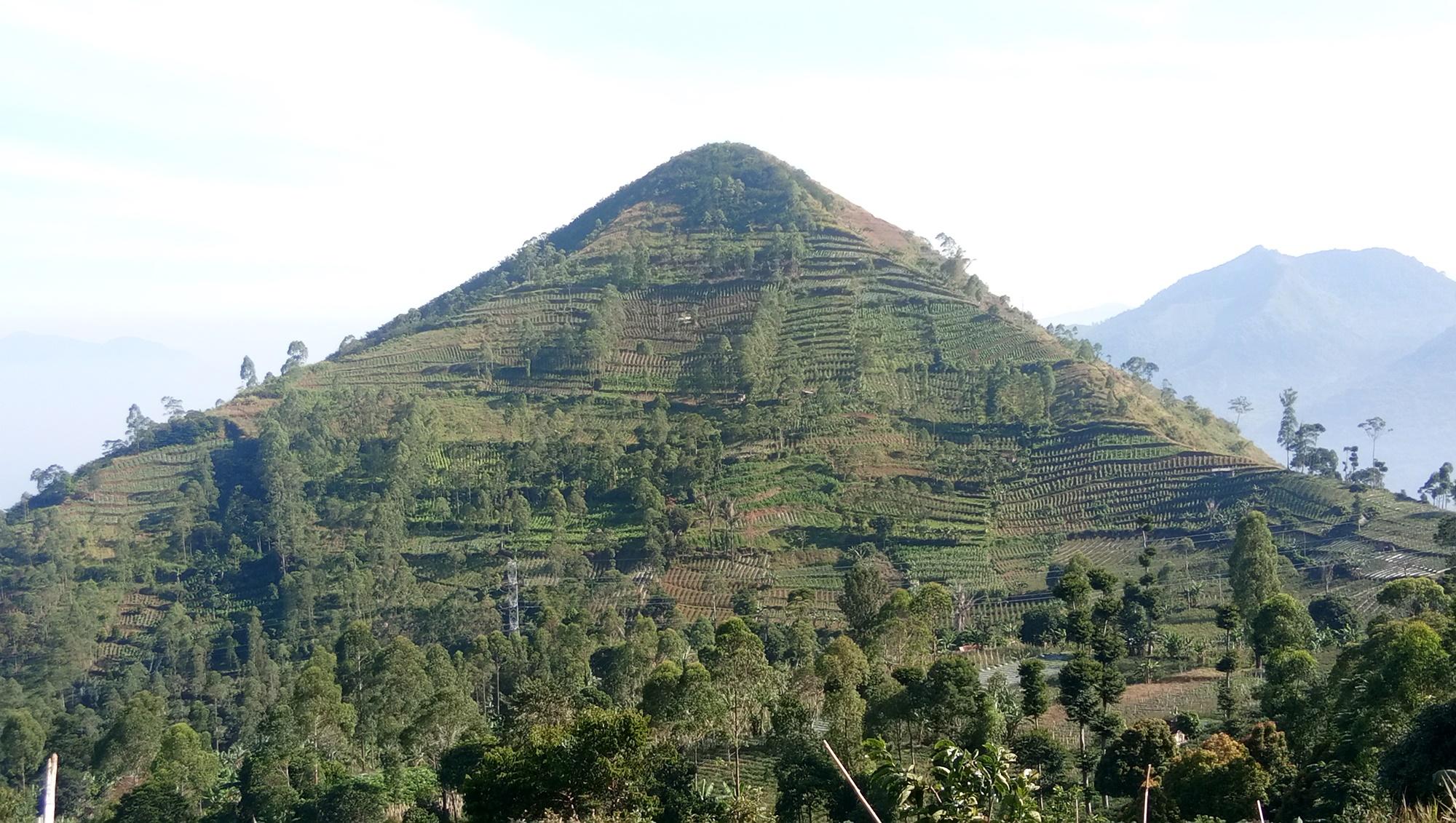 Piramida yang tersembunyi?