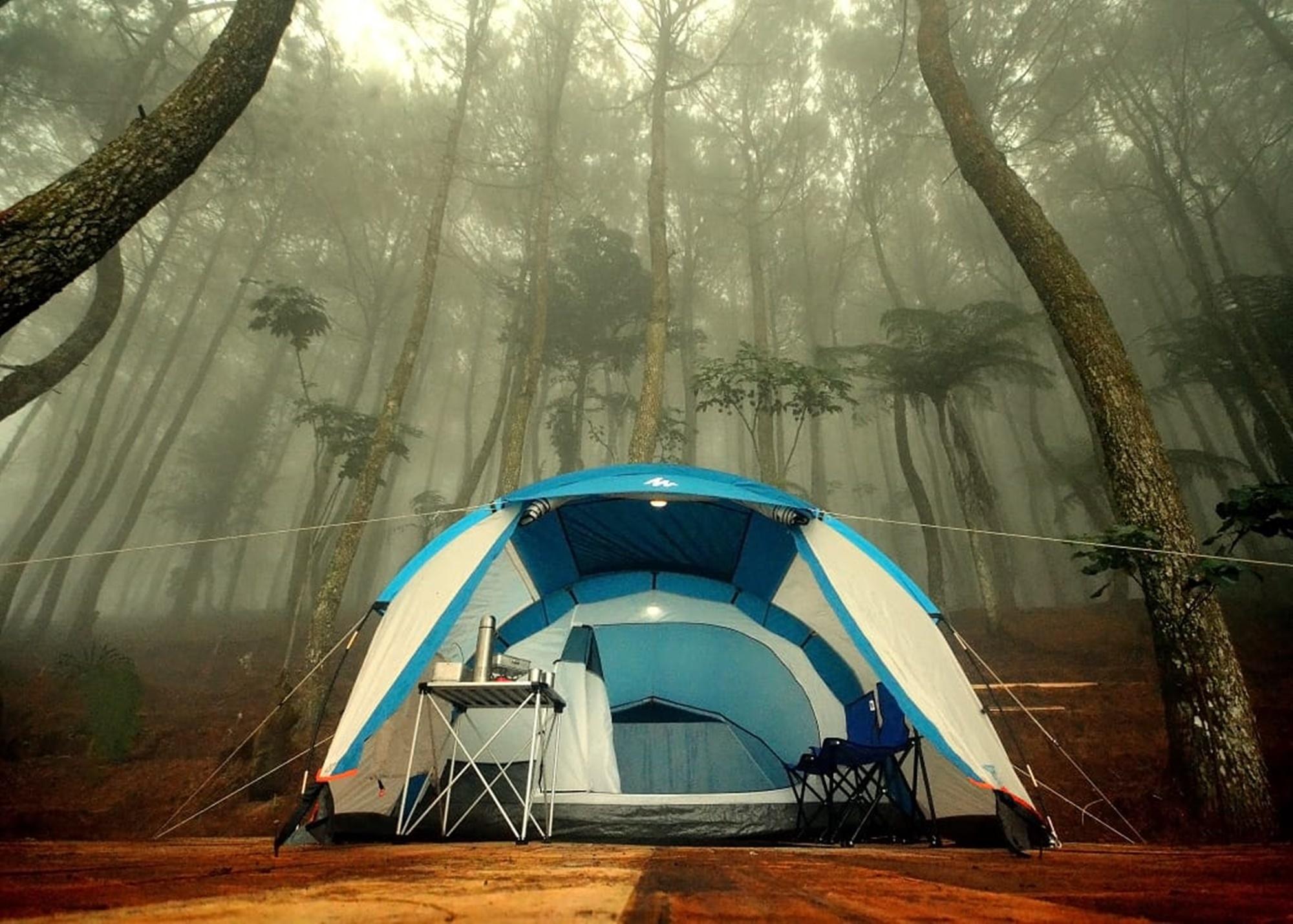 Salah satu tenda di Talaga Surian
